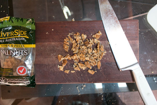How to chop walnuts the proper way - Yarra Valley Maker